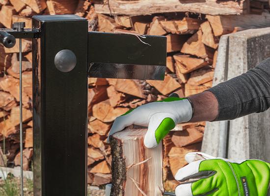 Wood splitter | AL-KO splitter with strong splitting wedge