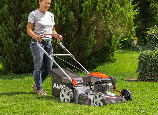 Lawnmower | AL-KO Easy to move forward thanks to large wheels